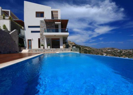 Villa-for-sale-in-Agia-Pelagia-Heraklion-Crete-swimming-pool