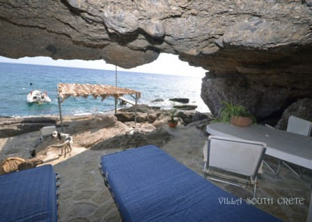 villa-for-sale-in-Crete-Greece-with-private-beach-access
