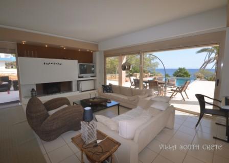 villa-in-Ierapetra-Crete-for-sale-sitting-room