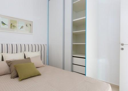 triton 18 furnished_03