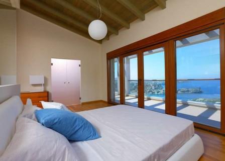 Luxury-house-for-sale-in-Heraklion-Crete-bedroom-views
