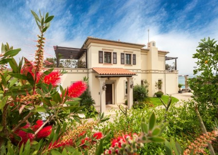 Ultra-luxury-villa-for-sale-in-Elounda-Lassithi-Crete-with-gardens