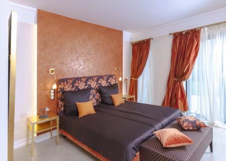 villa-for-sale-in-Crete-bedroom