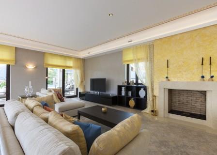 villa-for-sale-in-Elounda-Lassithi-Crete-living-area