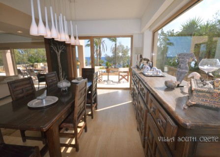 villa-south-of-Crete-in-Ierapetra-for-sale-dining-area